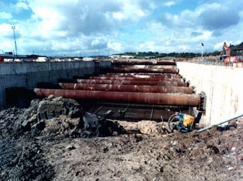 September 1993: Approach Ramp on West Bank Showing Struts between Diaphragm Walls and Reinforcement for Ground Slabs