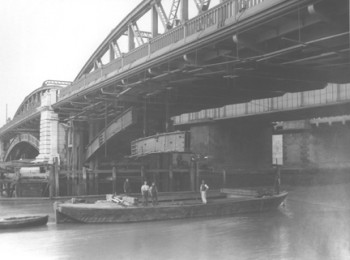 Removal of Cast Iron Arches Below the Rochester Span