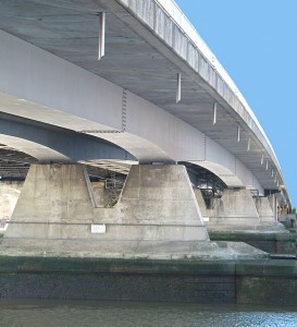 New-Bridge-showing-steel-box-girders