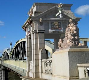 Old-Bridge-Portico