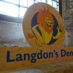 Langdons Den sign