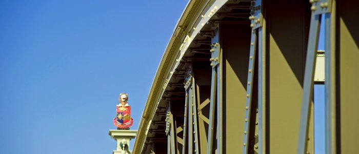 Rochester Bridge close up girders 19 10 11 ft
